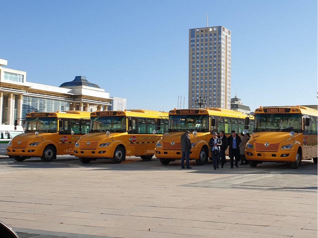 """Хотын удирдлагуудын 130 мянган ам.долларт авсан гэх """"Сурагчдын автобус"""" 44 мянган ам.долларт зарагдаж байна"""