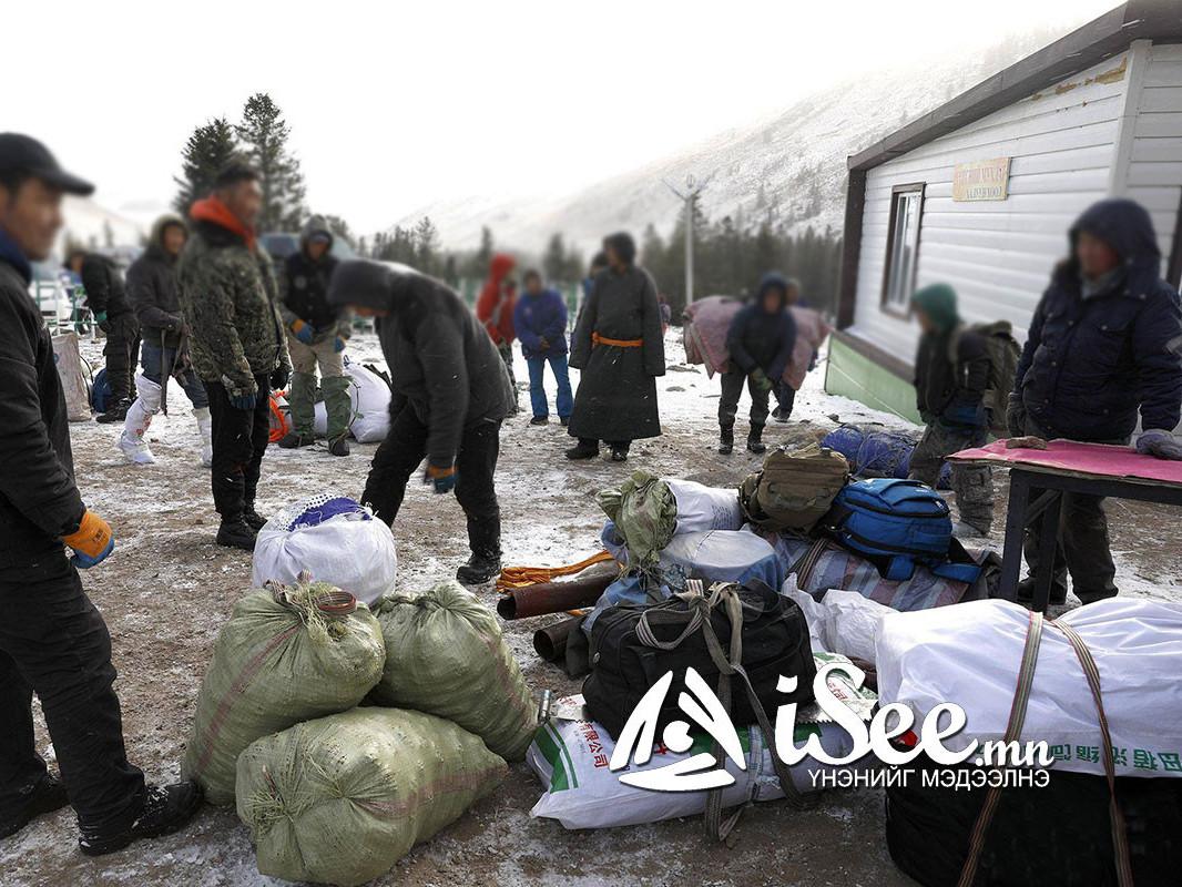 Хэнтий аймагт 900 хүн самарт явж байгаад хөл, хорионд орж ууланд гацжээ