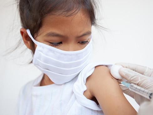 """""""Moderna"""" 12-17 насны хүүхдүүдэд зориулсан вакцины туршилтаа эхлүүлнэ"""