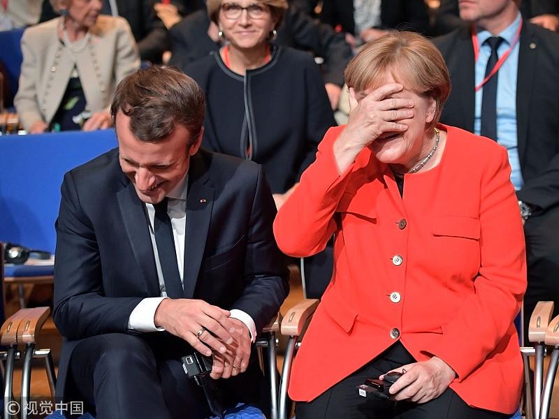ВИДЕО: Германы канцлер Ангела Меркель индэр дээр амны хаалтаа мартаж олон хүнд инээд бэлэглэв